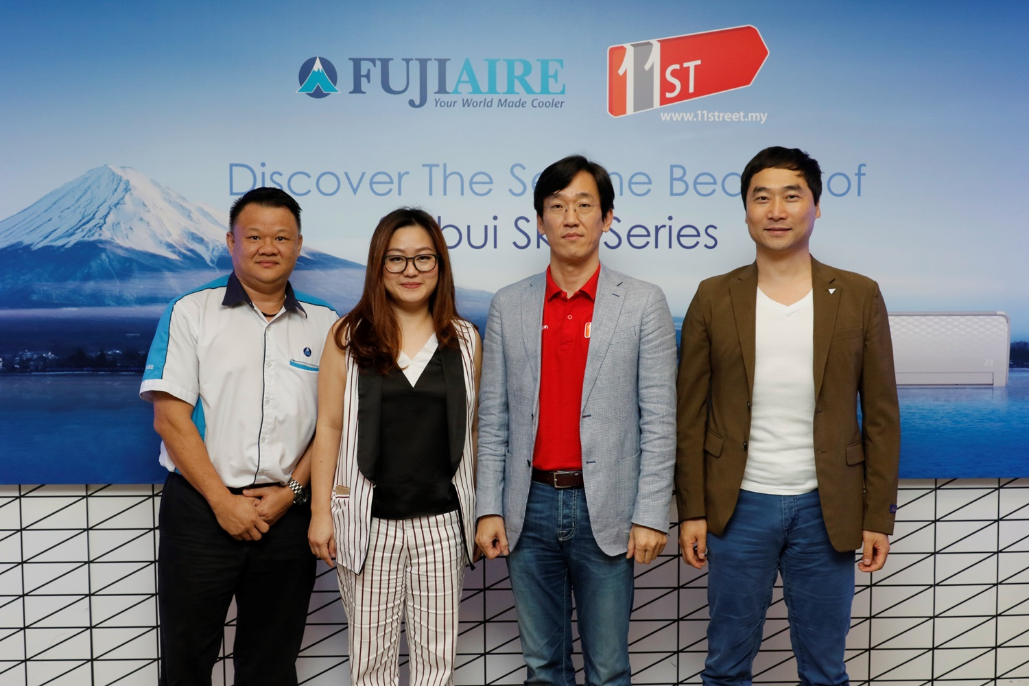 Fujiaire & 11street representatives at the launch of the Fujiaire Shibui air conditioner series