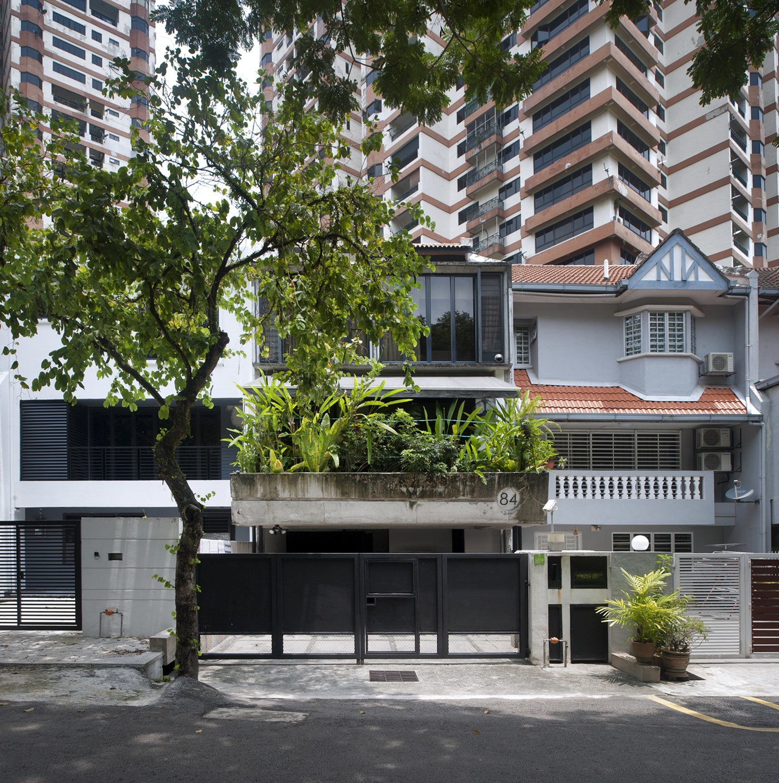 Modern contemporary terrace house exterior in petaling jaya, Malaysia