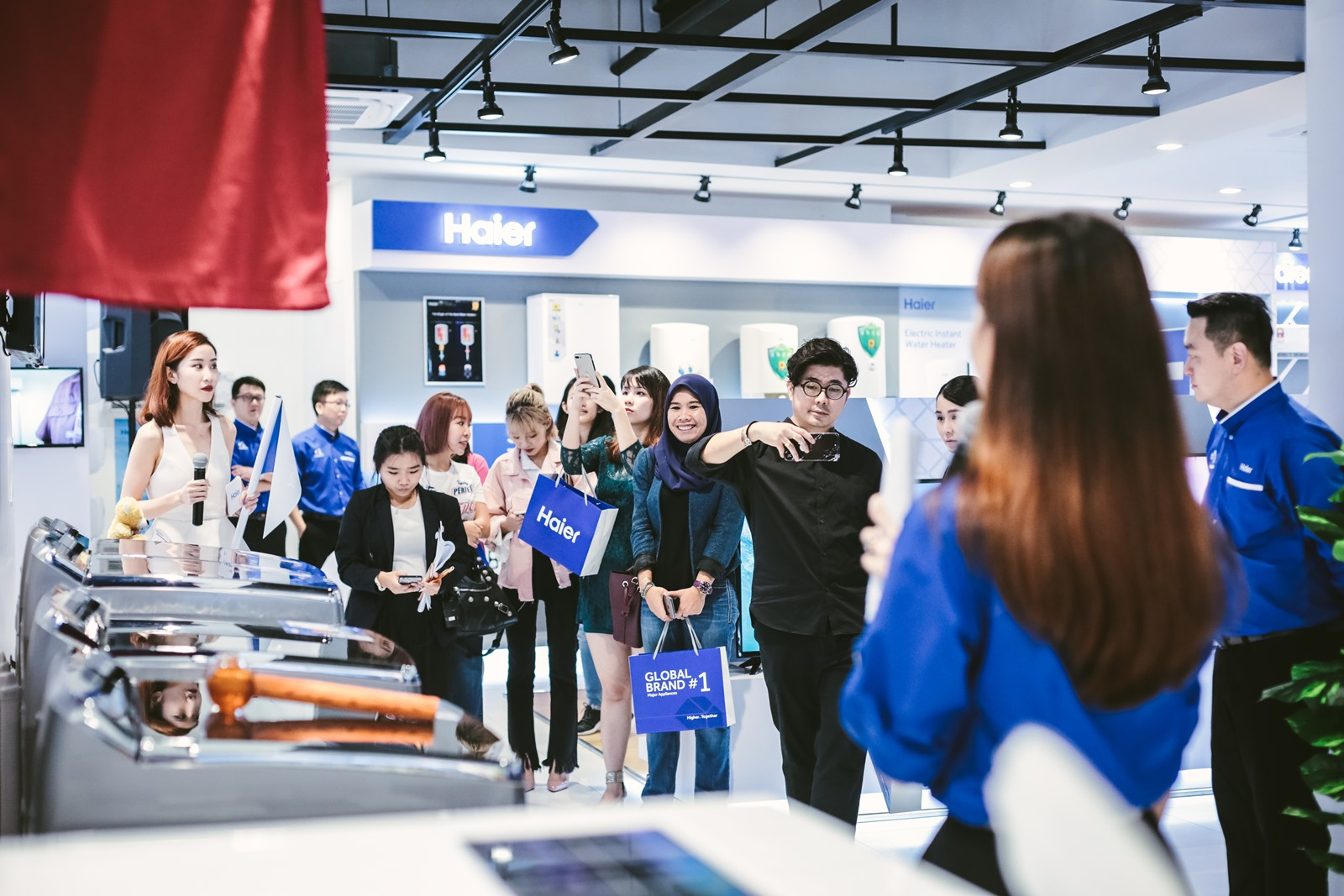 The Haier Experience Centre showcases a huge range of products from refrigerators, washing machines, LED TVs, air cond and more!
