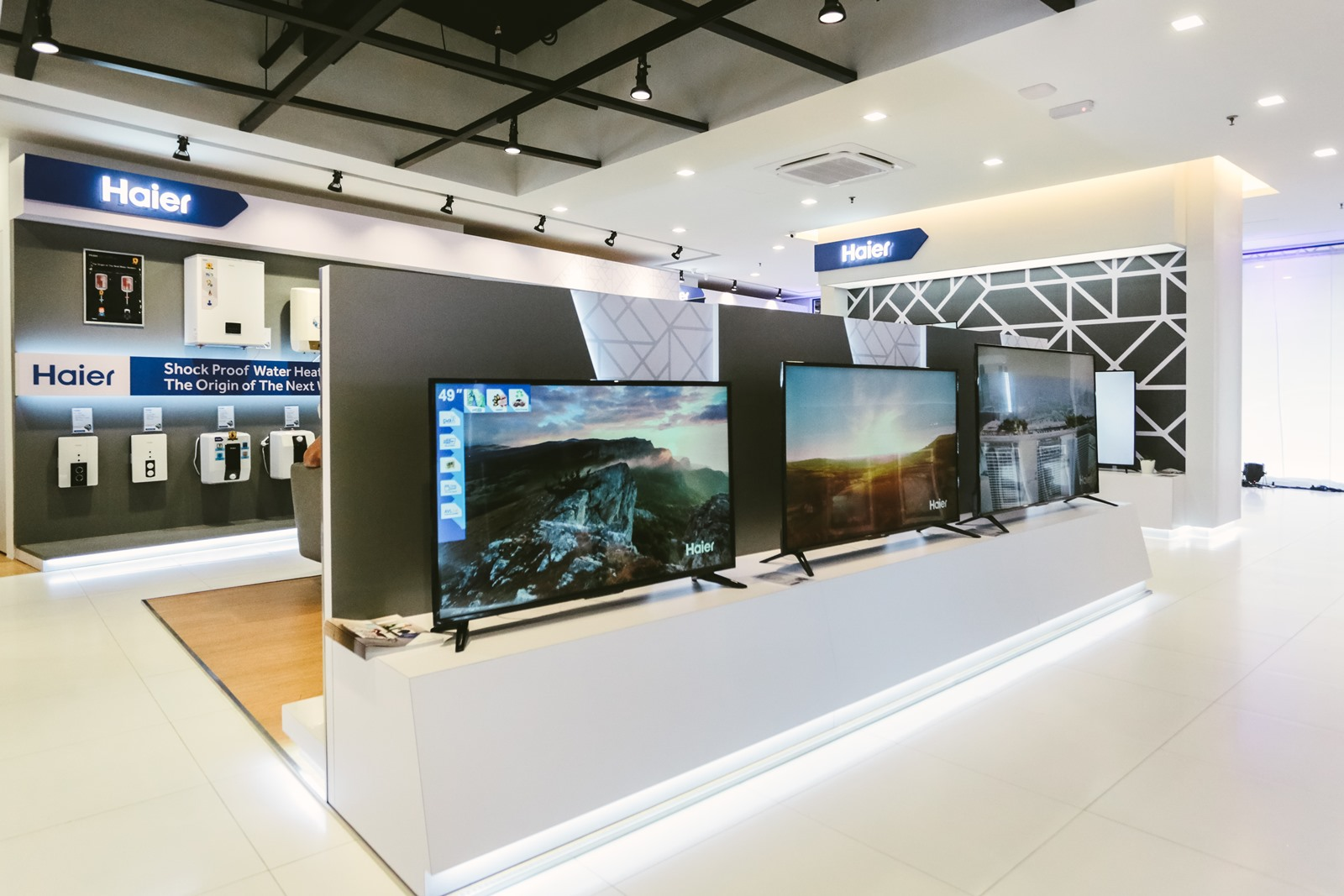 Smart TV, HD TV, and the latest in television only at the Haier Experience Centre